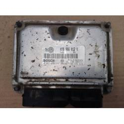 Calculator motor (Unitate de comanda motor) PENTRU Volkswagen 038906012K 0281010111